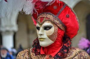 """viaggi maschera carnevale venezia rossa"""