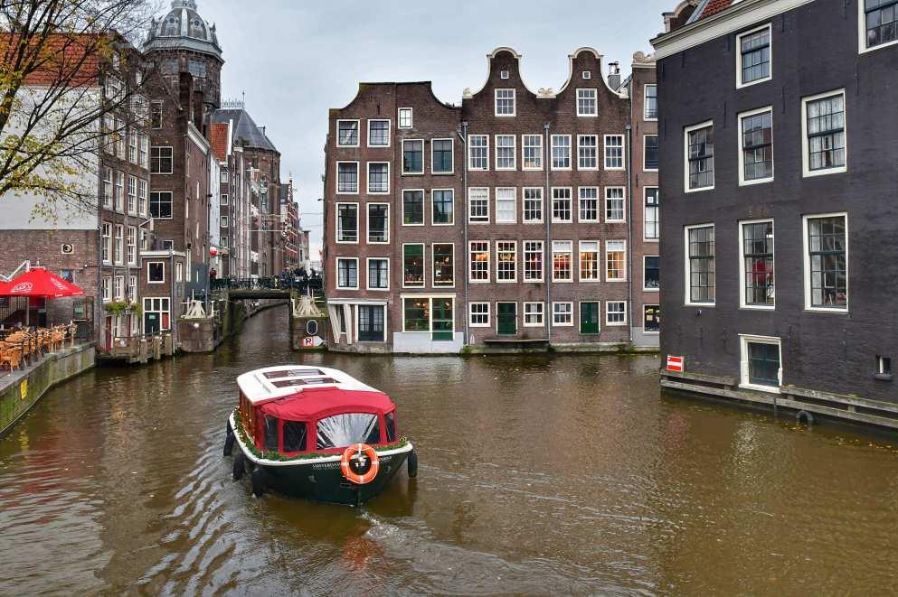"""""""amsterdam canale con barca rossa"""""""
