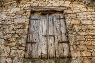 """""""cison di valmarino dettagli finestra legno vecchia"""""""
