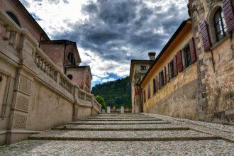 """""""cison di valmarino centro storico scalinate adiacenti alla chiesa"""""""