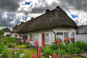 """""""villaggio adare irlanda casa tetto paglia"""""""