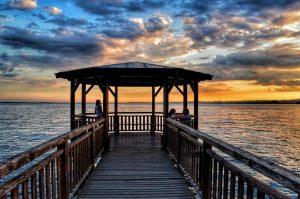 """""""il pontile al tramonto lago di garda veneto italia"""""""