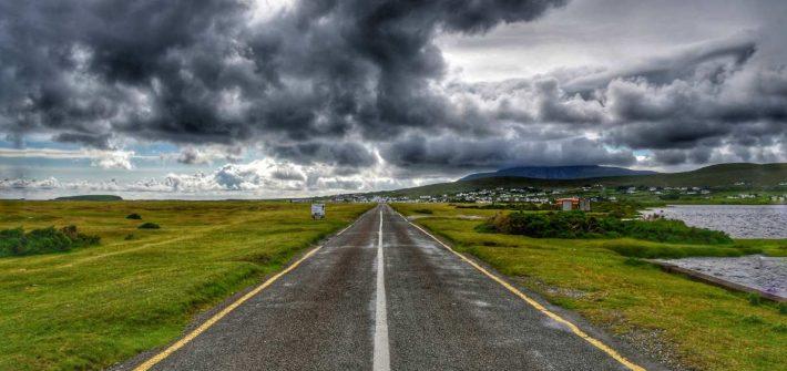 """""""strada irlanda nuvole nere"""""""