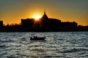 """""""tramonto con barca a venezia"""""""