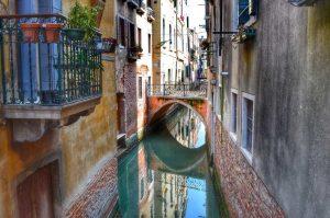 """""""piccolo canalr calle venezia"""""""