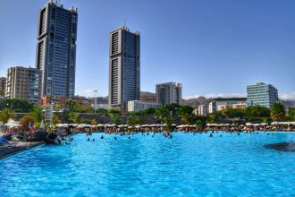"""piscina santa cruz tenerife grattacieli"""