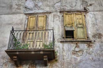 """""""vecchia finestra con balcone"""""""