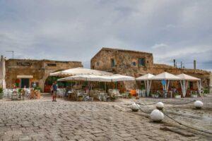 """""""marzamemi piccolo borgo marinaro sicilia la piazzetta principale"""""""