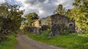 """""""casa in pietra abbandonata carcaci"""""""