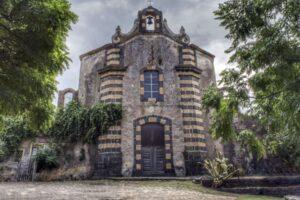 """""""borghi abbandonati sicilia chiesa pietra lavica carcaci"""""""