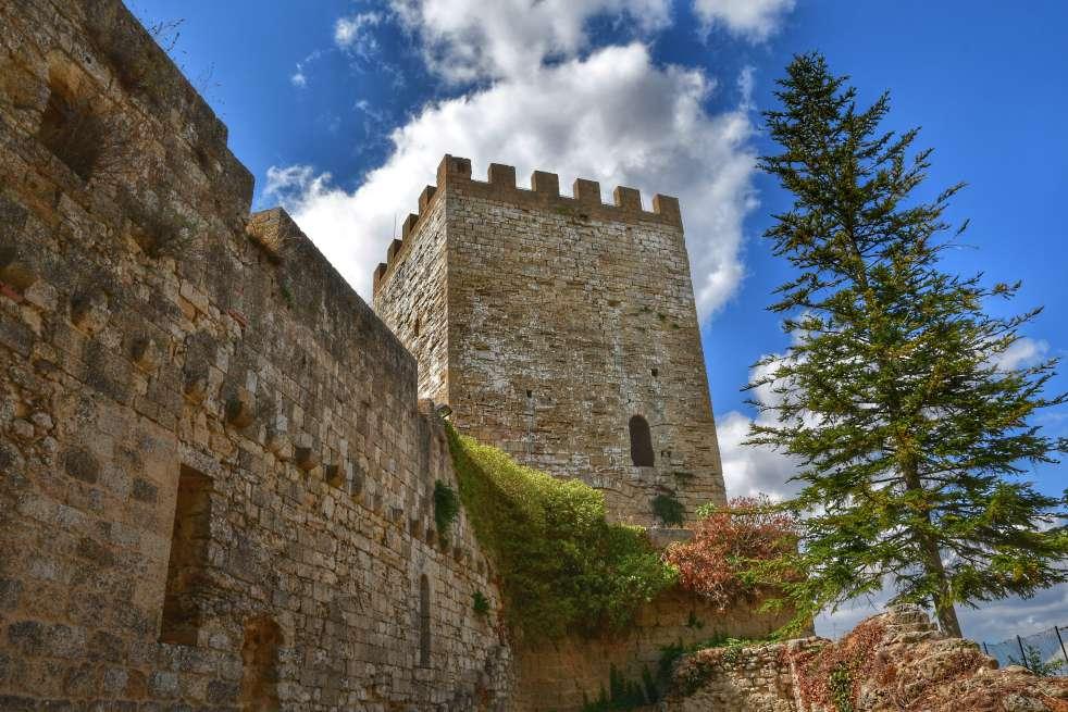"""""""interno castello di lombardia enna sicilia"""""""