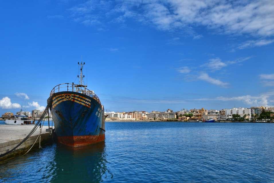 """""""marsala vecchia nave ancorata al porto"""""""
