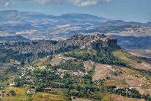"""""""panorama siciliano dal castello veduta al borgo di calascibetta"""""""