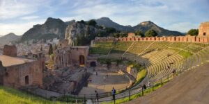 """splendido teatro antico all aperto taormina"""