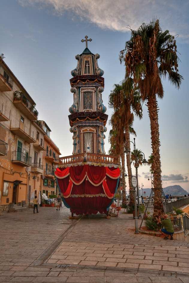 """""""posti da visitare in sicilia altavilla milicia il carro forma di nave per celebrare festa della madonna della milicia"""""""