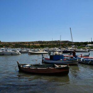 """""""barche pescatori su mare di brucoli sicilia"""""""
