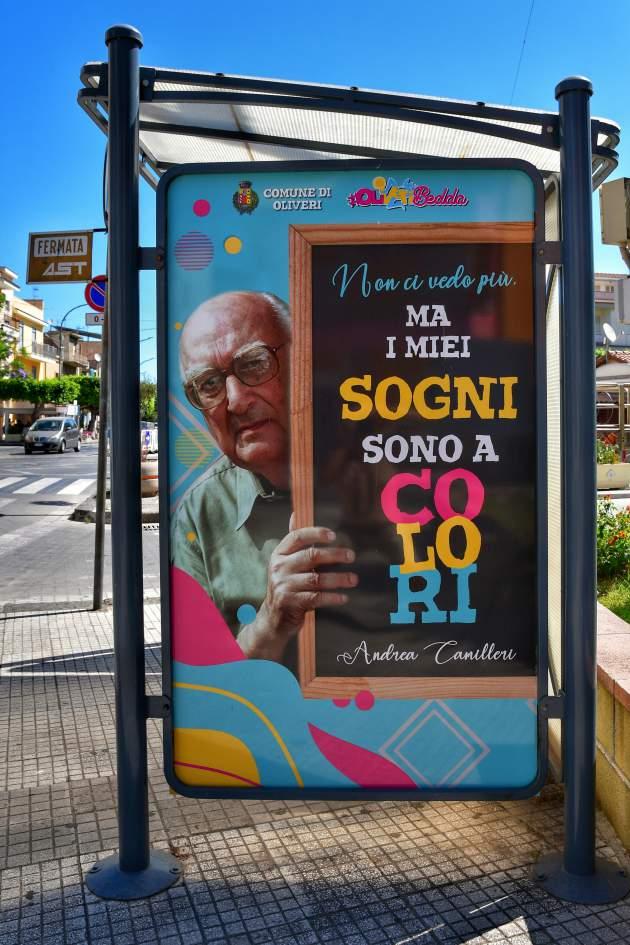 """""""cartellone pubblicitario alla fermata del bus con andrea camilleri ad oliveri"""""""