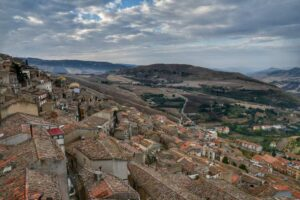 """panoramica sopra i tetti case borgo gangi sicilia"""