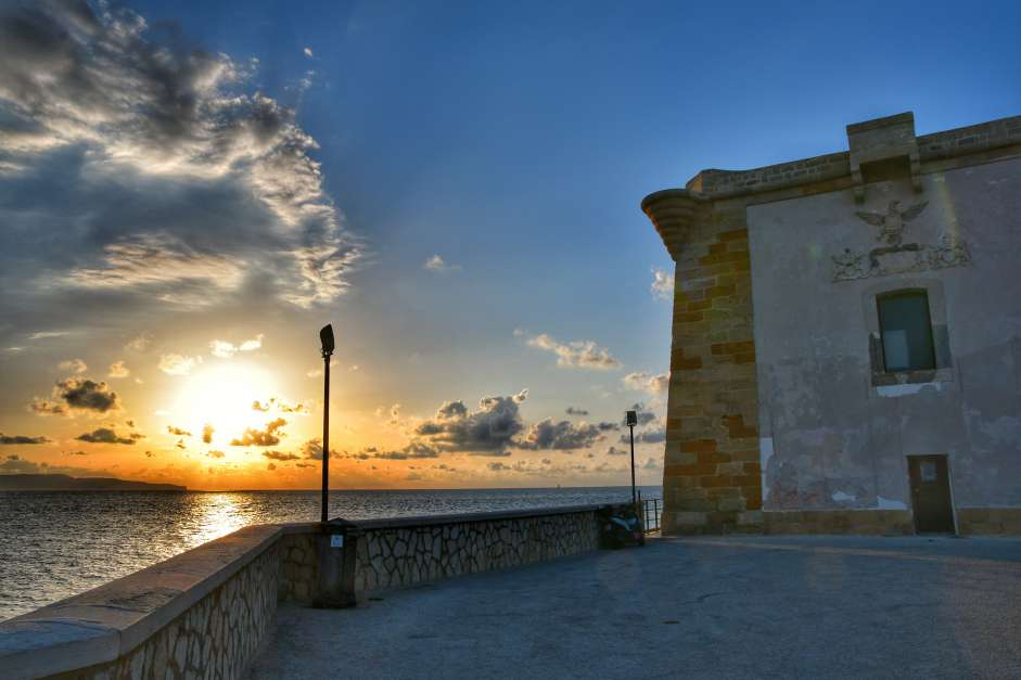 """""""tramonto visto da torre ligny trapani direttamente sul mare"""""""