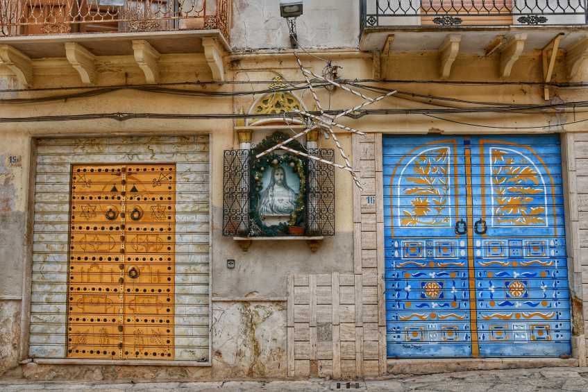 """""""murales arabeggianti dipinti su serrande a mazara del vallo"""""""